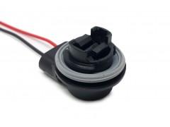 Патрон под лампу P27W (3156 одноконт.) с проводами, пластик TM Nord YADA